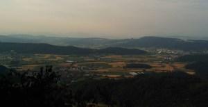 Der Blick nach Süden – irgendwo hinter den Hügeln liegt Zürich